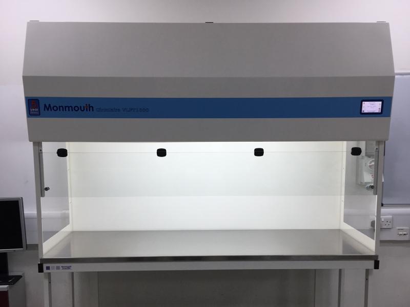 Monmouth Scientific | Vertical Laminar Flow | Leonardo