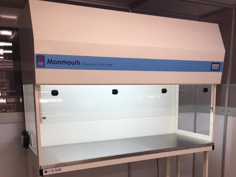 Monmouth Scientific | Vertical Laminar Flow | Xiros