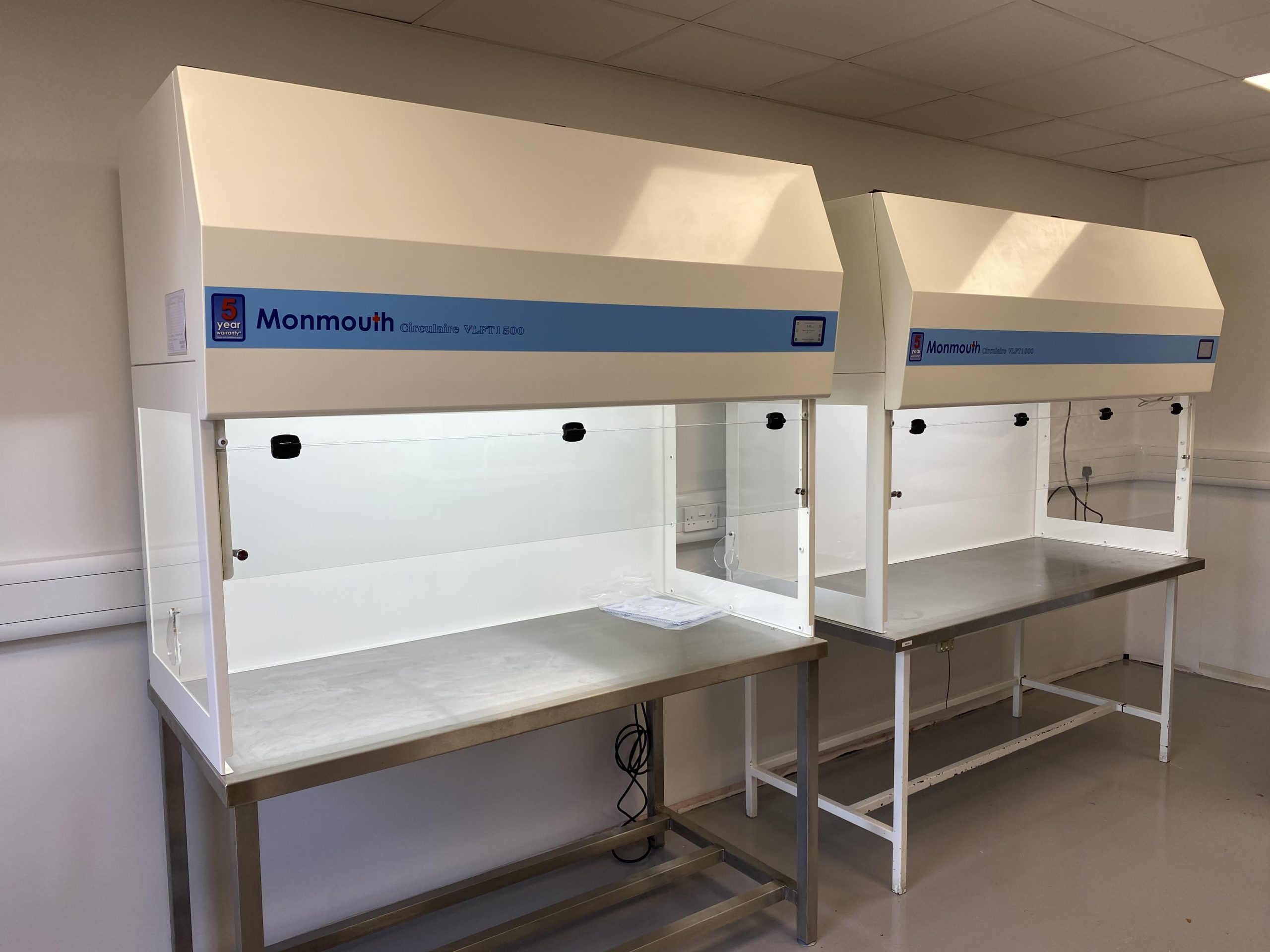 Monmouth Scientific   Products   Vertical Laminar Flow